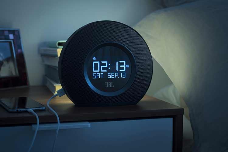 radio r veil ou smartphone id e cadeau no l magazine en ligne geek culture high tech et. Black Bedroom Furniture Sets. Home Design Ideas